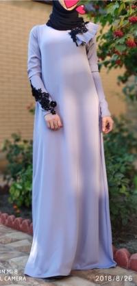 Платье абайное с фурнитурой.