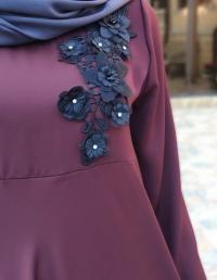 Платье абайное с апликацией.
