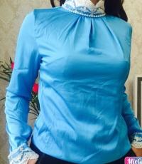 Блузка шелк голубая