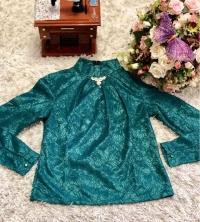 Блузка гипюр зеленая