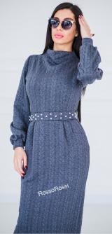Платье вязка с жемчугом серое