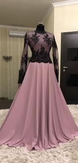 Платье костюмка с гипюром