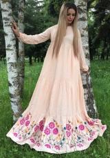 Платье с вышивкой персик