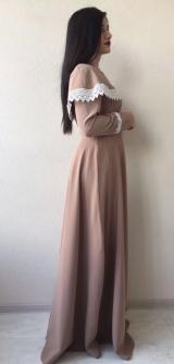 Платье капучино с воланом