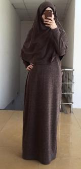 Платье с головным убором коричневое